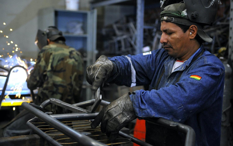 Resultado de imagen para trabajador boliviano