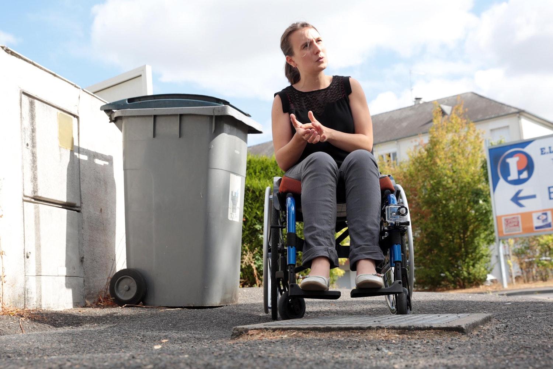 en fauteuil roulant 28 images fauteuil roulant de transfert manutan fr mon fauteuil roulant. Black Bedroom Furniture Sets. Home Design Ideas